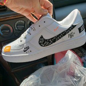 Nike Air shoes white orange black NWOB